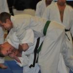 Manuel von hinten angegriffen