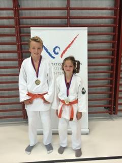 Die Goldmedaillengewinner von Lichtenstein Francesca Albertini und Luca Realini